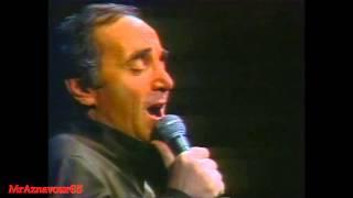 Charles Aznavour chante Un Corps  - 1978