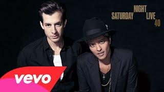 Mark Ronson - Uptown Funk (Live On SNL) Ft. Bruno Mars