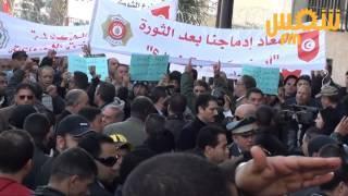 Le syndicat de la garde nationale et les agents réintégrés protestent devant le MI