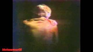 Charles Aznavour chante Les Plaisirs Démodés  - 1978