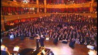 Charles Aznavour chante avec Hélène Ségara Que c'est triste Venise - 2007