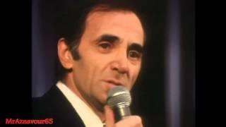 Charles Aznavour chante J'aime Paris au mois de mai -  1972