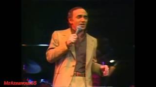 Charles Aznavour chante La chanson de faubourg   - 1978