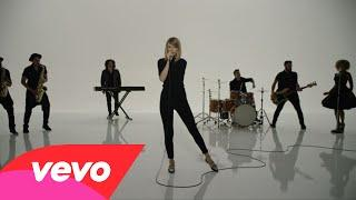 Taylor Swift - Shake It Off Outtakes Video #7 - The Band, The Fans and The Extras